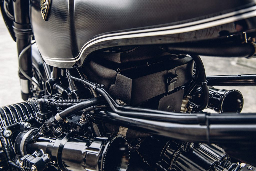 bmw-r-ninet-custom-bmw-cafe-racer-rough-crafts (11)